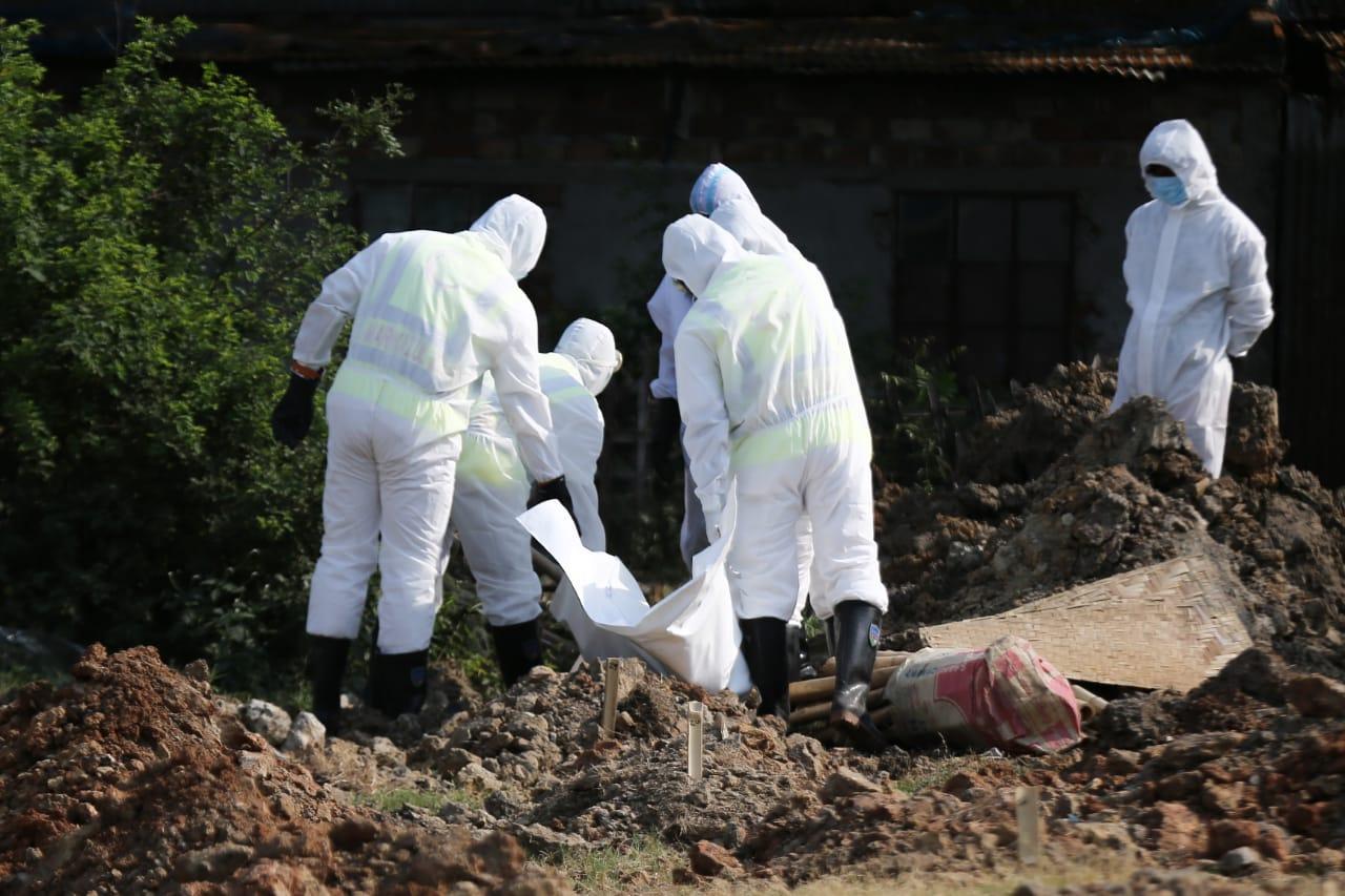 झापाका एक सहित देशभर थप १२ जना काेराेना संक्रमितकाे मृत्यु