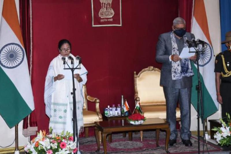 ममताले लिइन् पश्चिम बंगालको मुख्यमन्त्री पदको सपथ