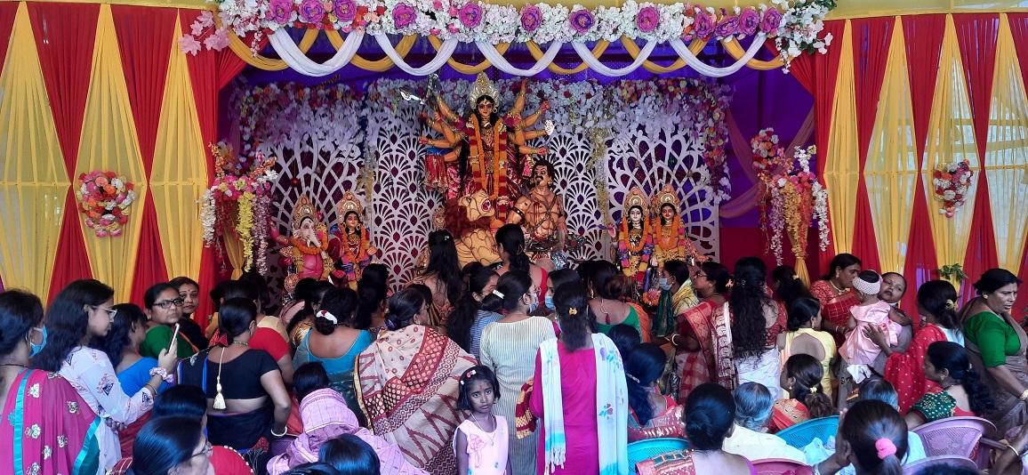 भद्रपुरमा बंगाली समुदायले मनायो महाअष्टमी पर्व (हेरौं तस्बिरमा) :: Times of Pradesh